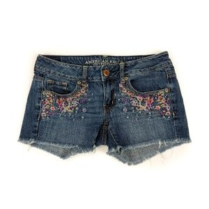 American Eagle Floral Embroidered Shorts Size 2
